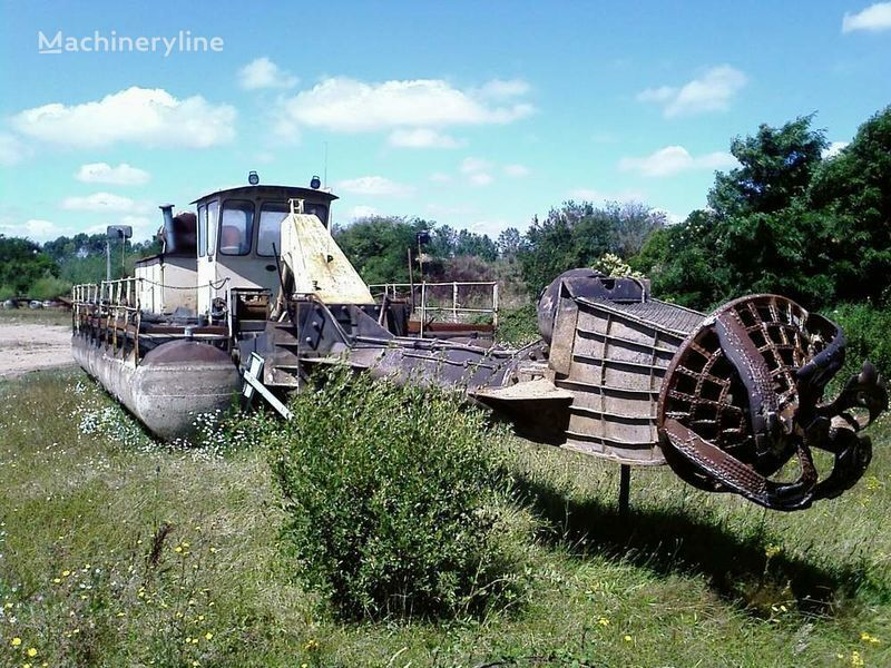 damaged CATERPILLAR Caterpillar / warmann dredge