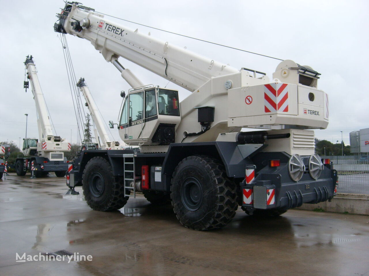 new RT 100 on chassis TEREX RT 100 mobile crane