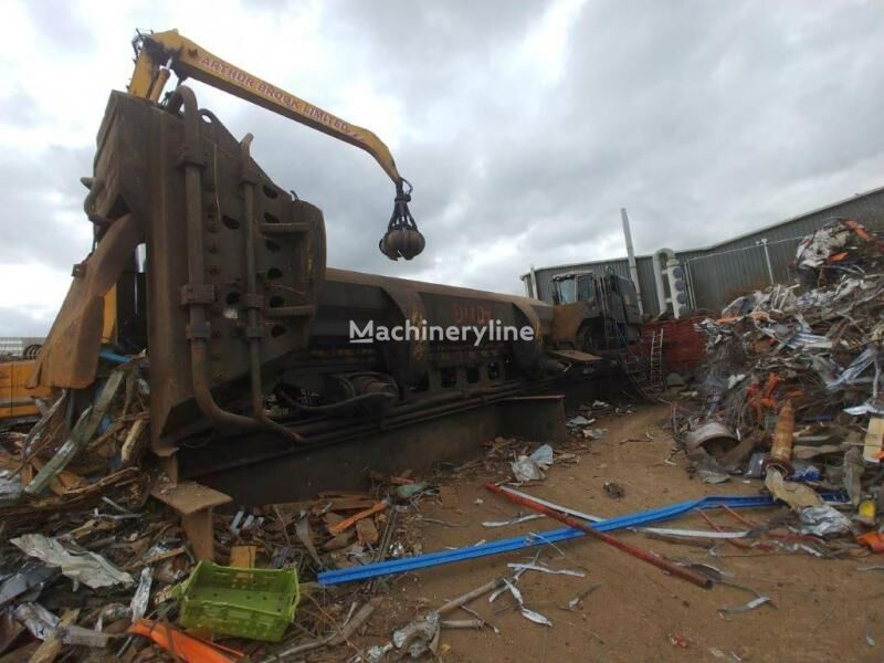 LEFORT 900 scrap metal baler