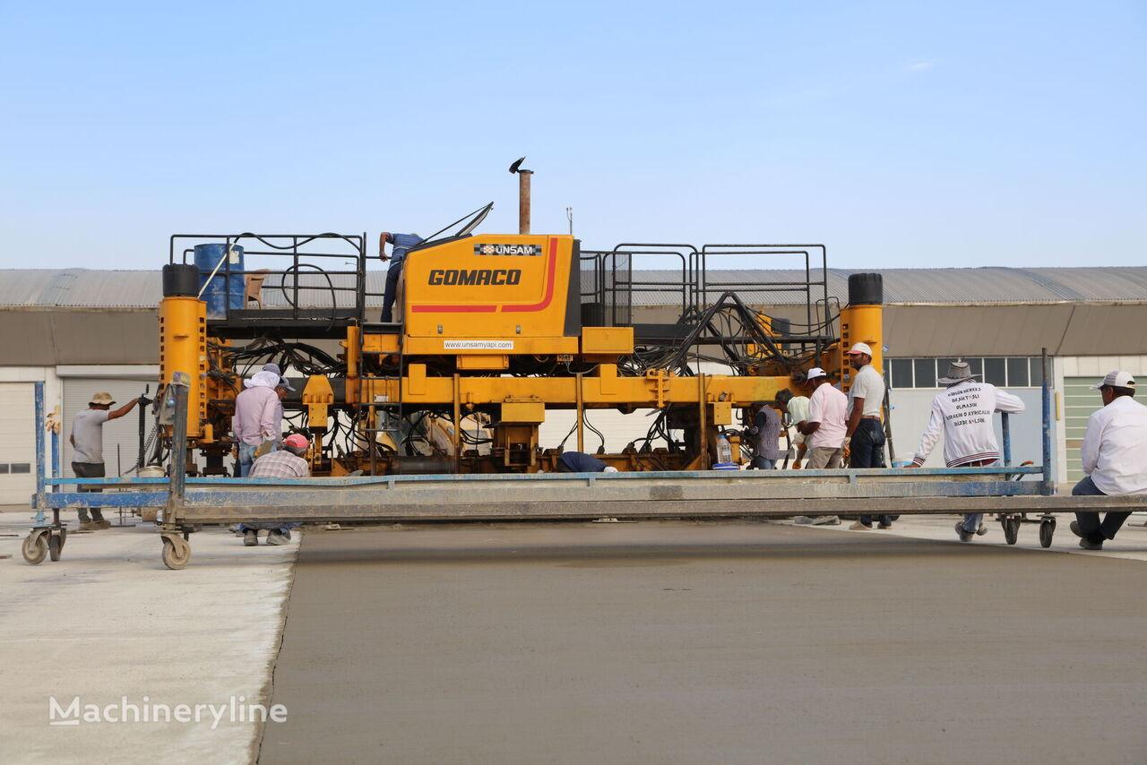 Gomaco Commander III Four Track slipform paver
