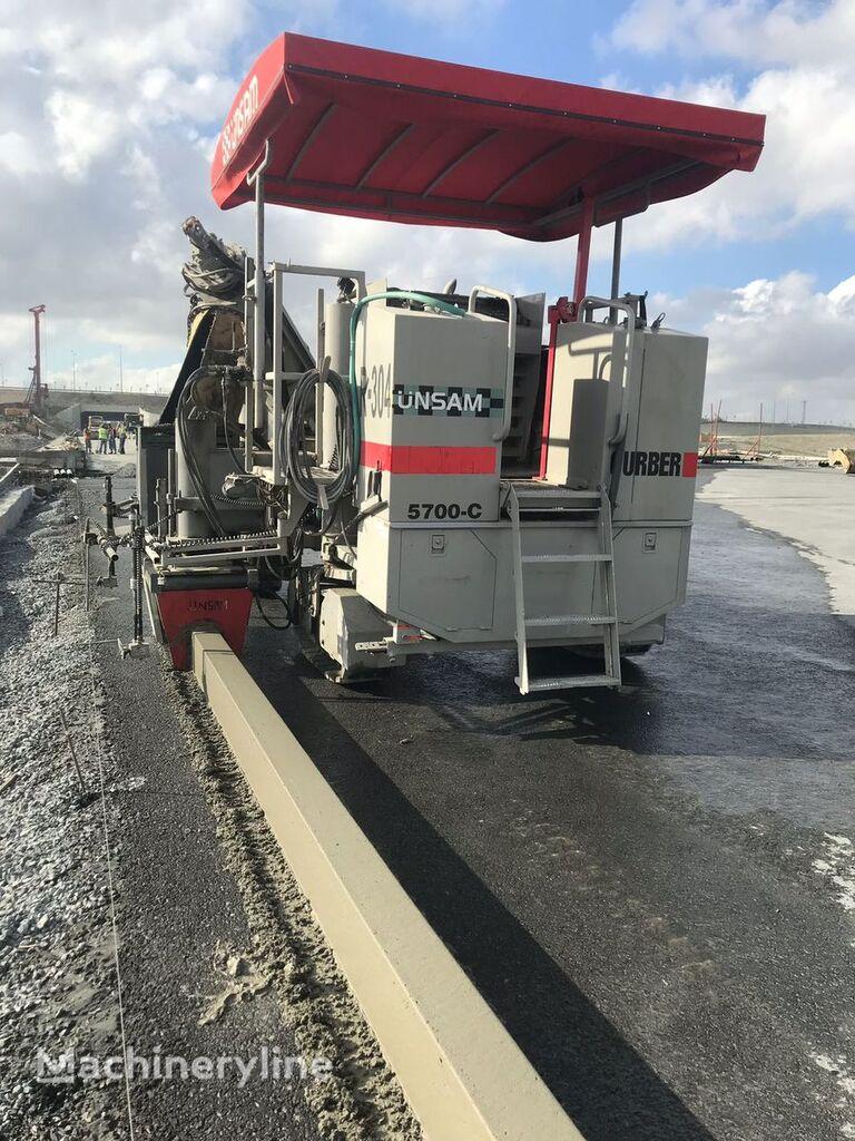 Power Curber 5700 C slipform paver