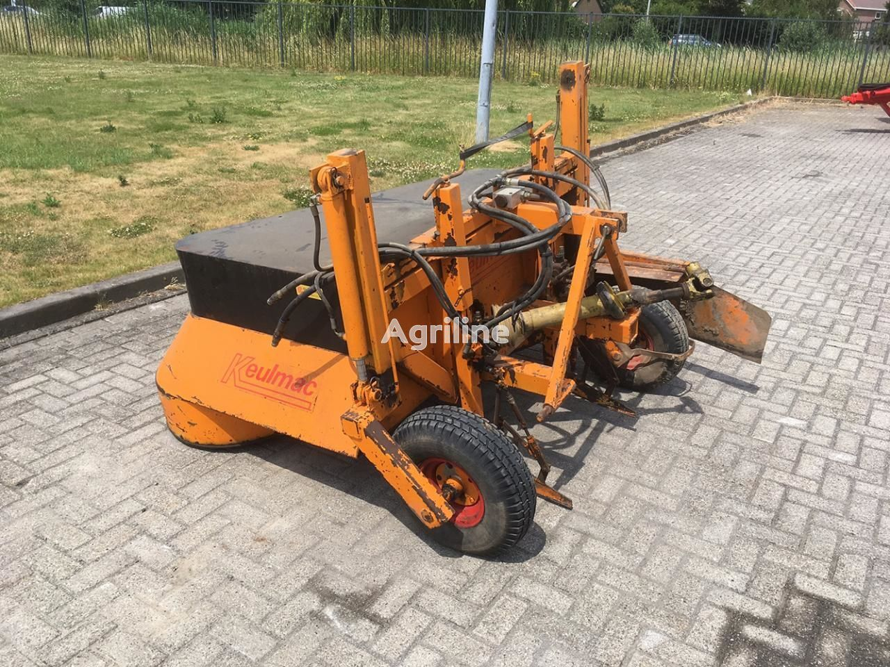 KEULMAC messenklapper carrot harvester