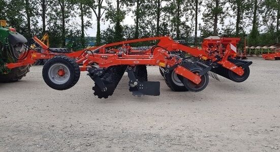 new KUHN *NEW* Optimer + 5003 disk harrow