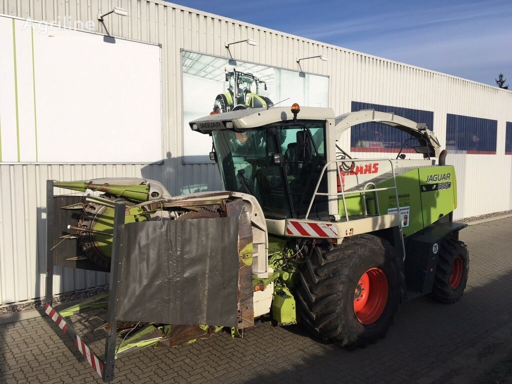 CLAAS Jaguar 830 forage harvester