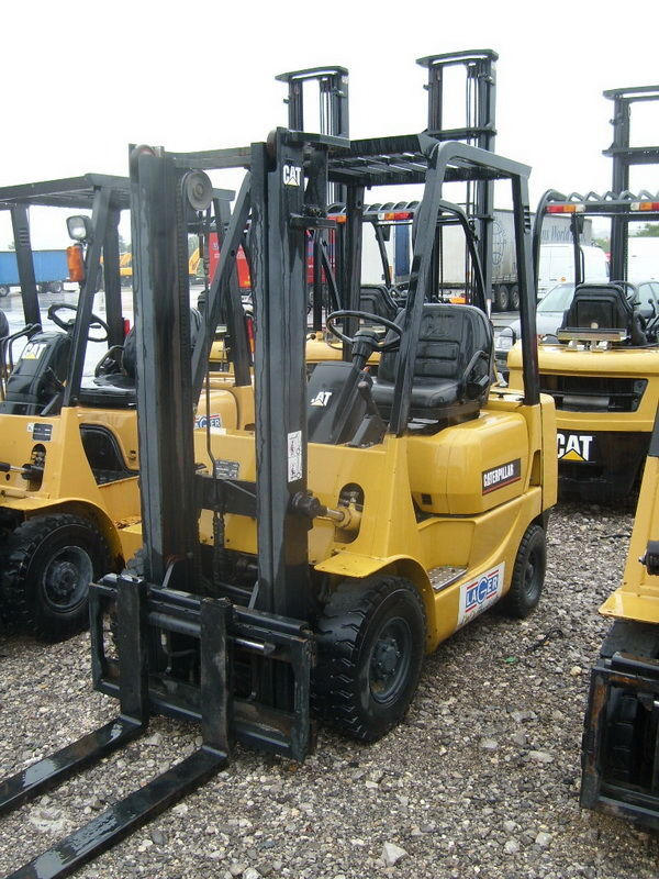 CATERPILLAR GP18 forklift