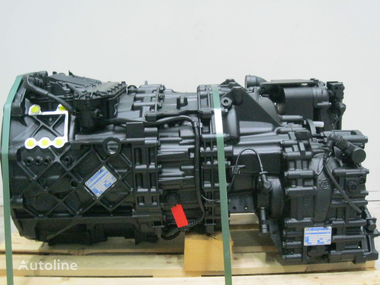 AS -TRONIC gearbox for tractor unit