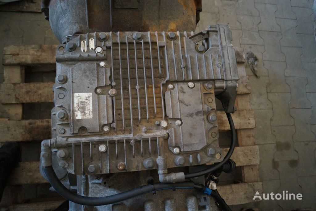 COMPLETE GEAR SELECTOR / AT2412D / WORLDWIDE DELIVERY gearbox for VOLVO tractor unit