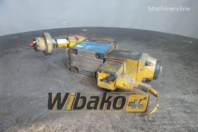 LIEBHERR PR 722 hydraulic distributor for LIEBHERR PR 722 bulldozer