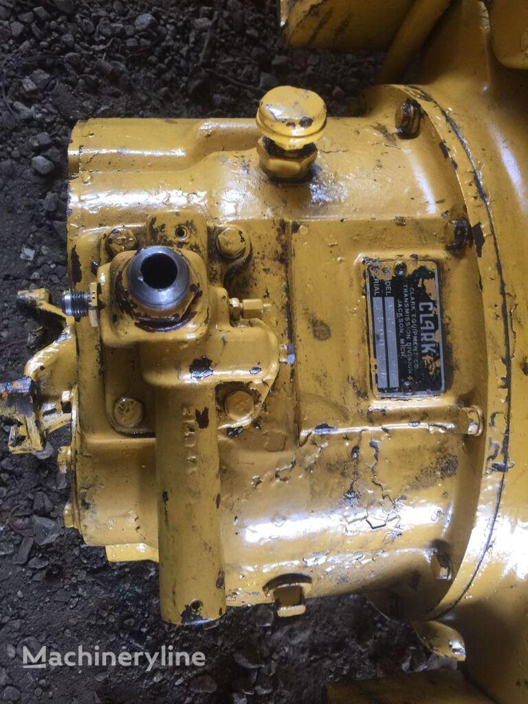 USED DANA SPICER CLARK C272 TORQUE CONVENTER other transmission spare part for CLARK C 272 wheel loader