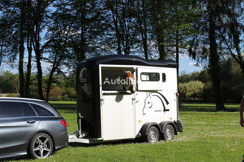new Cheval liberte Touring One + front gate horse trailer