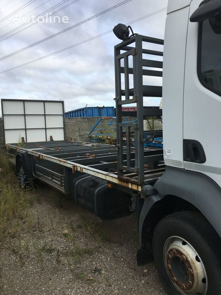 RENAULT Midlum 210 container chassis