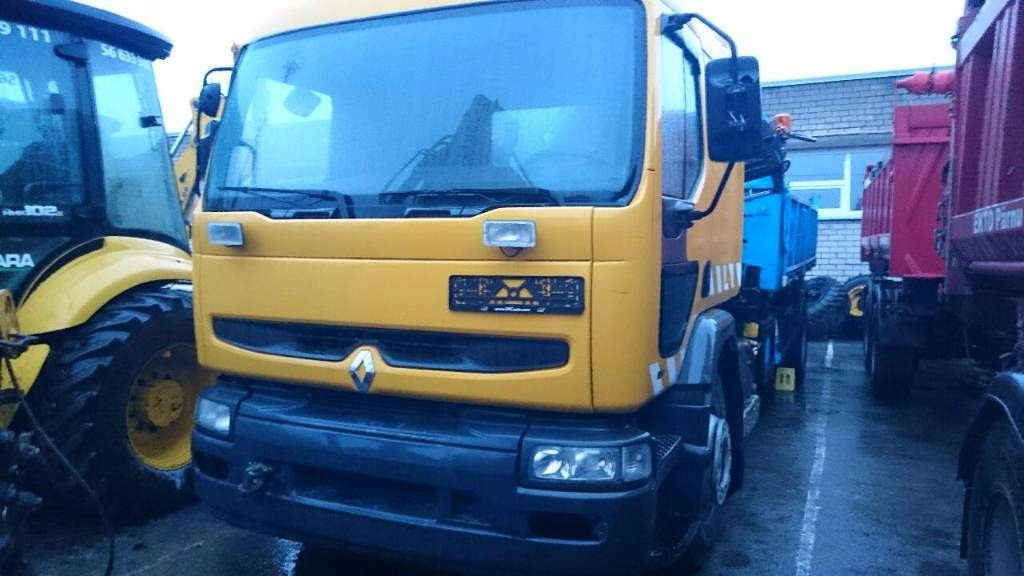 RENAULT PREMIUM 210 flatbed truck