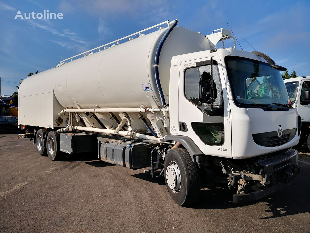 damaged RENAULT PREMIUM 430DXI *ACCIDENTE*DAMAGED*UNFALL* flour truck